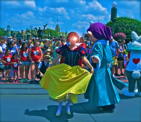 Disney - Snow white is a bloody robot