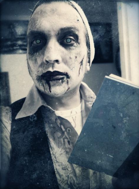 optivion-reading-zombie